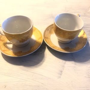 Vintage tea cups with saucer